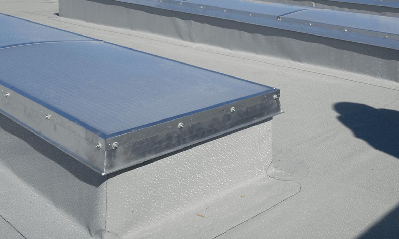 świetlik dachowe płaskie