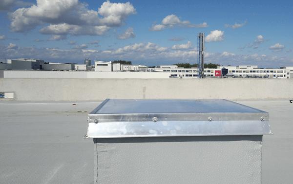 świetliki na dachu