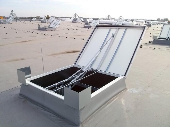 uszczelnianie świetlików dachowych